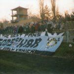 Sparta Świdnica - GÓRNIK. 17.11.2001r. - Nas 30 osób.